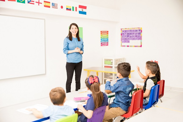 advantages-of-bilingual-education-on-student-outcomes